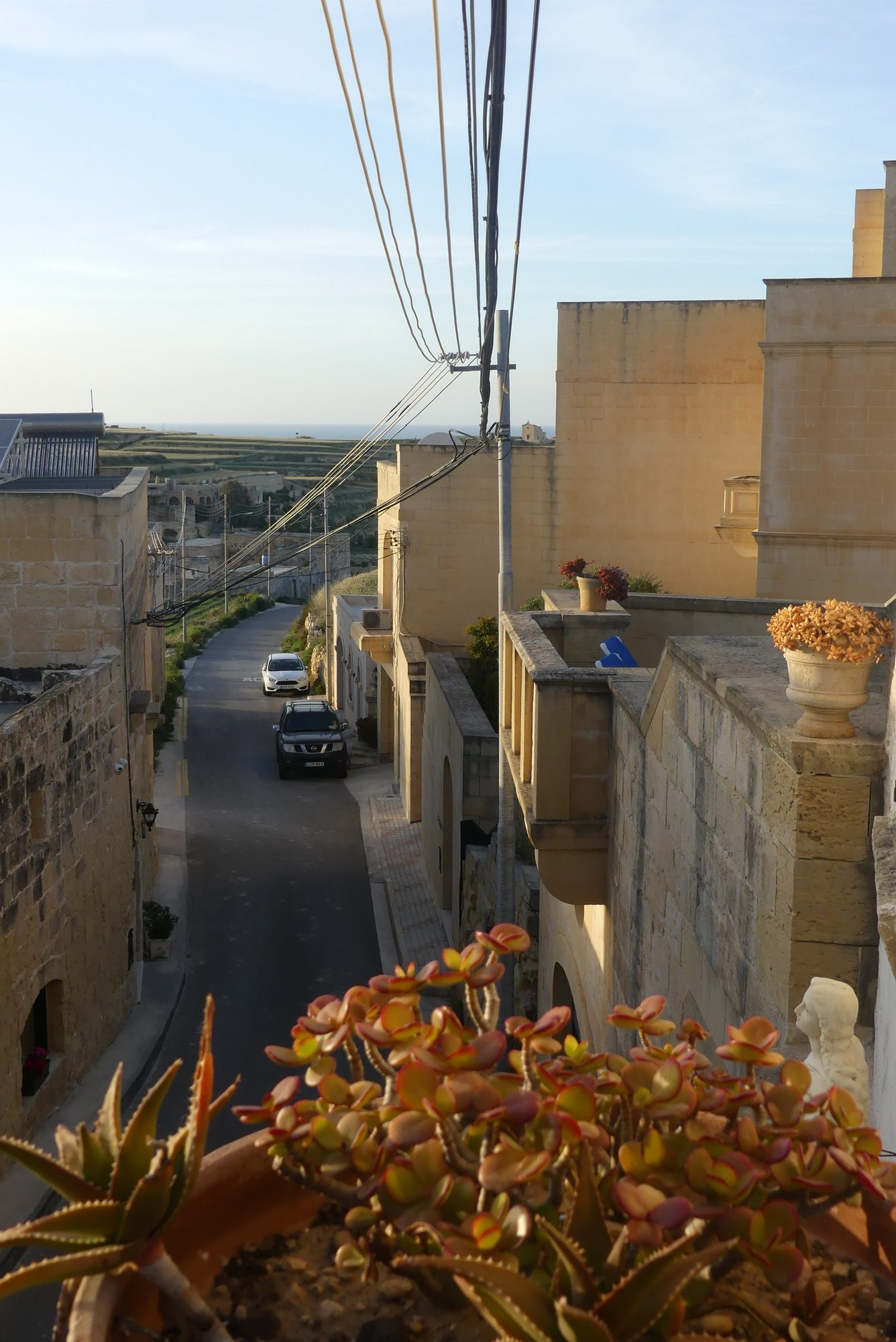 Straße in Gharb auf Gozo Malta