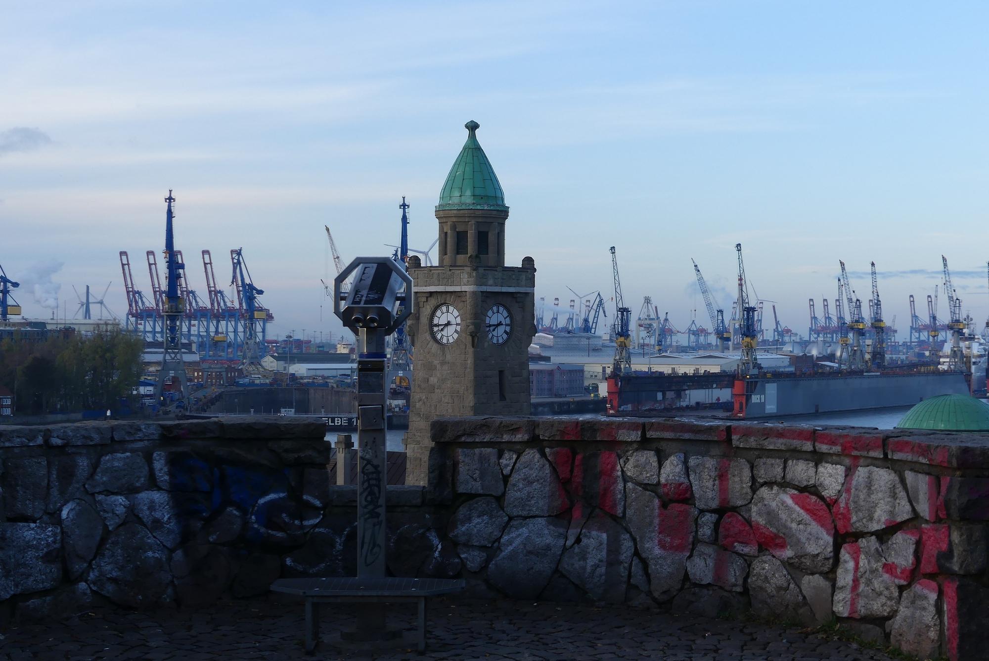 Hamburg Aussichtspunkt Landungsbrücken