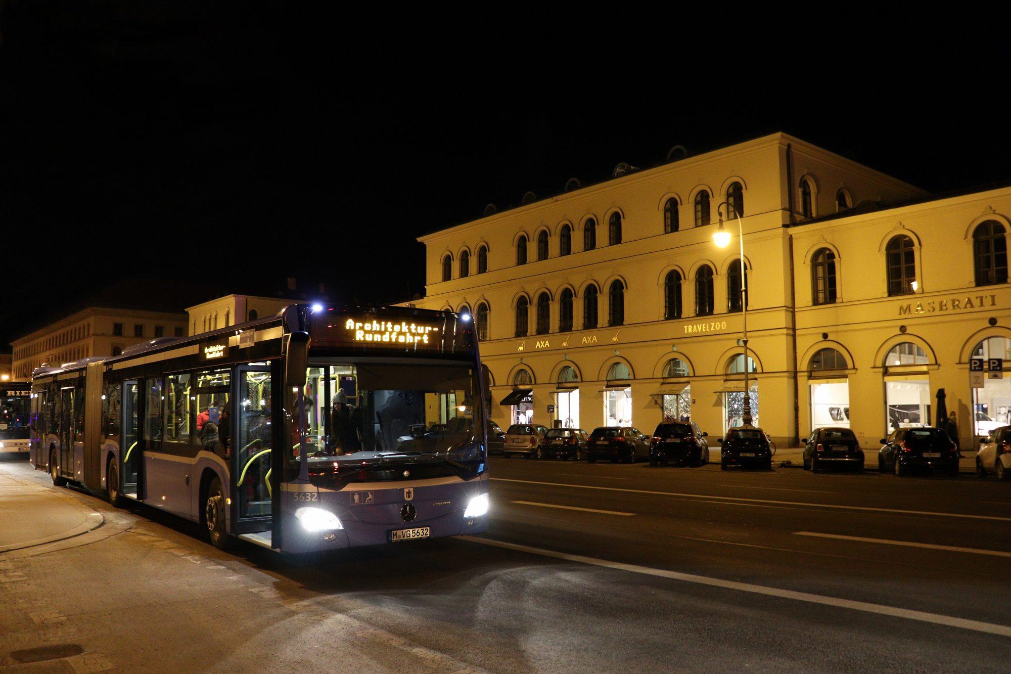 Bus auf der Ludwigstraße in München