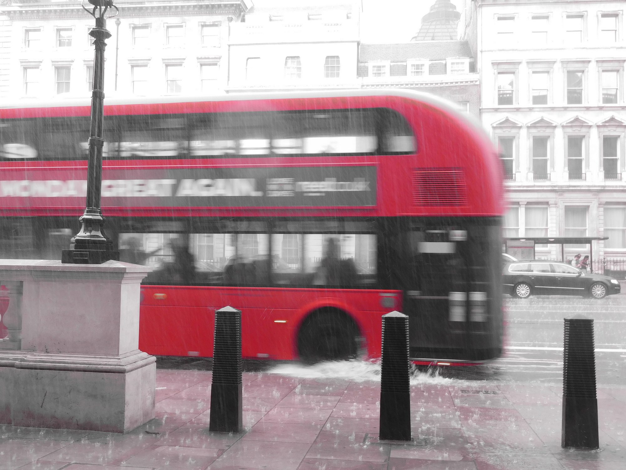 London-Bus im Regen