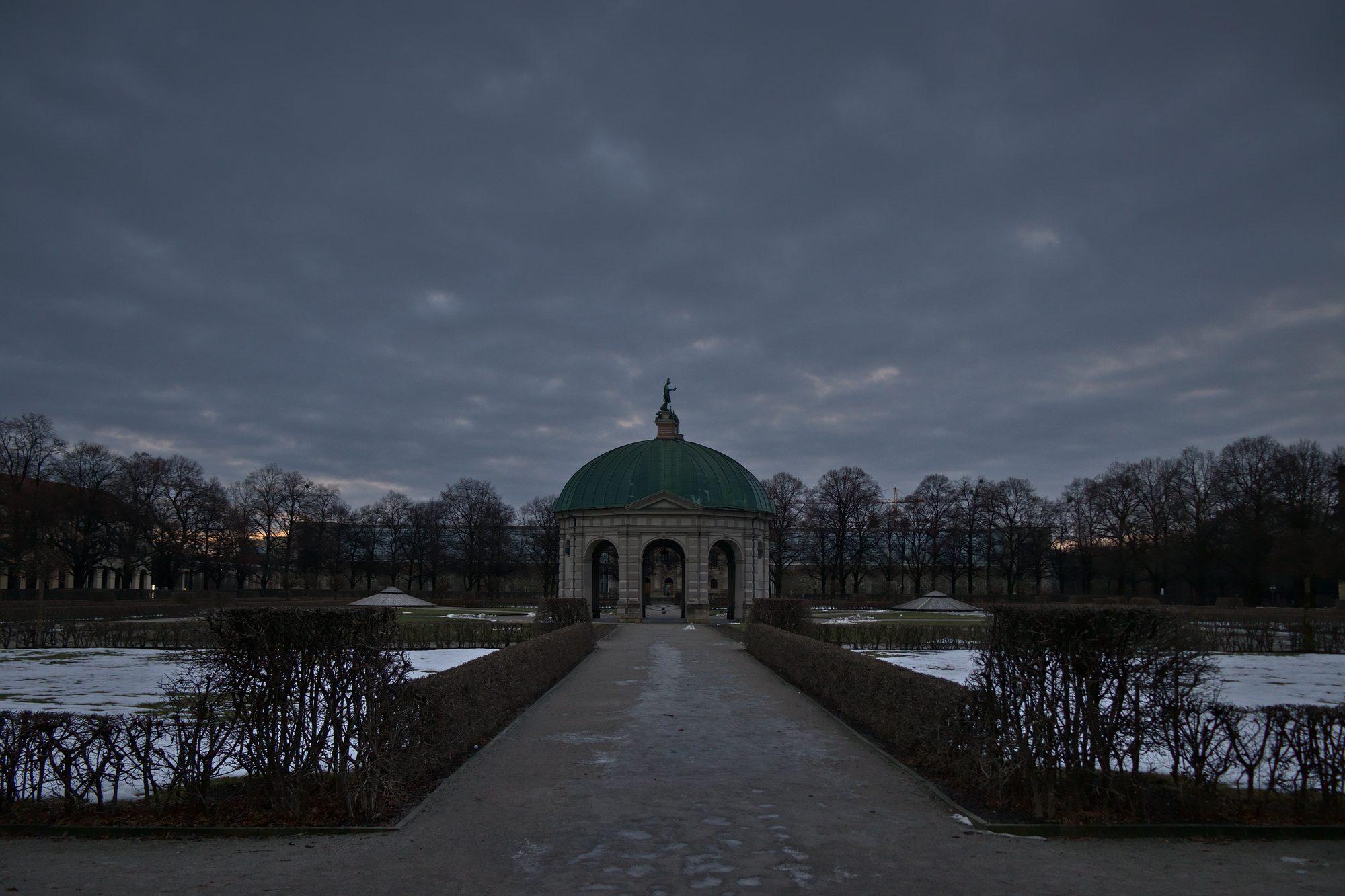 München Hofgarten RAW