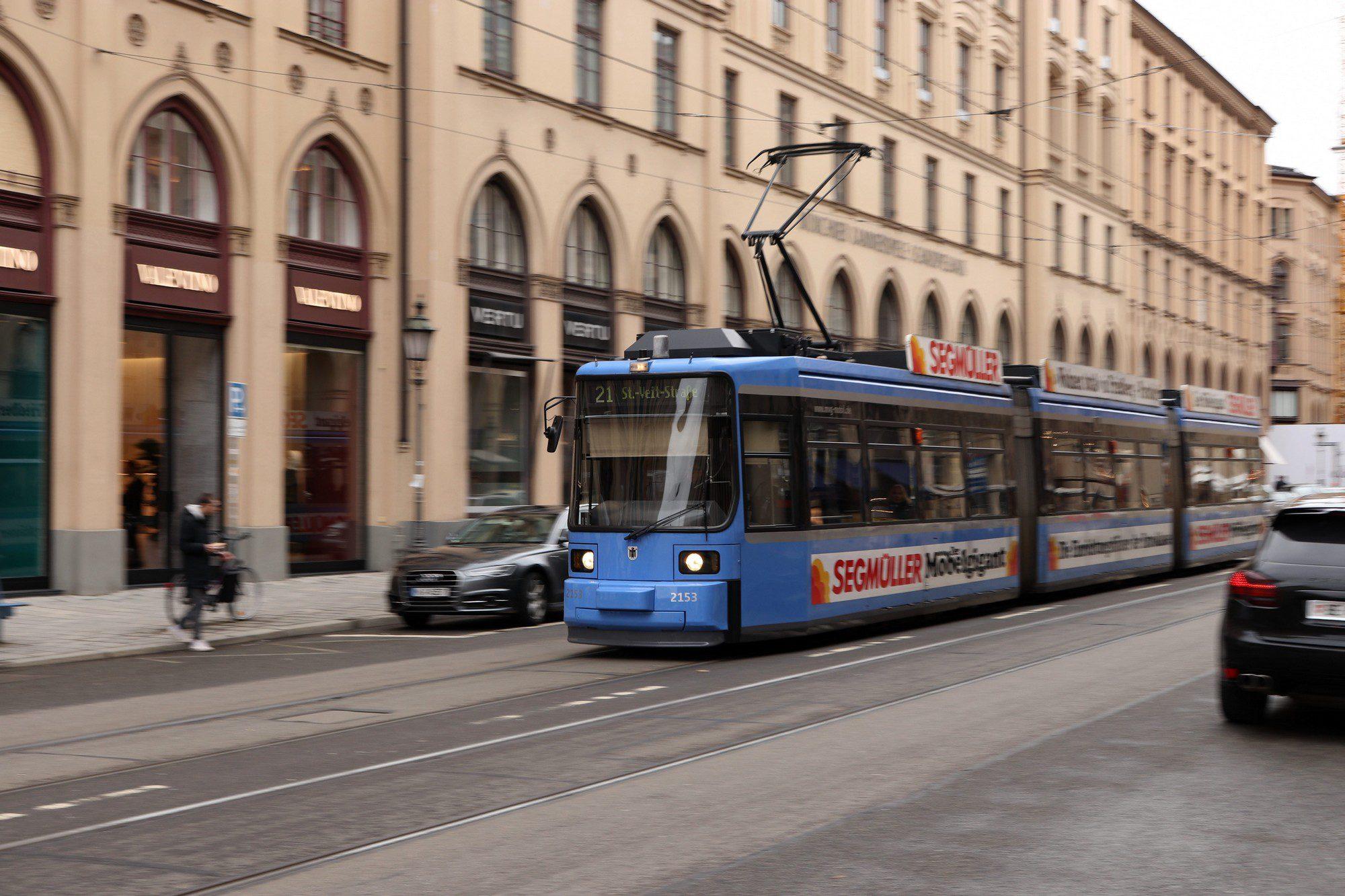 Trambahn in der Münchner Maximilianstraße