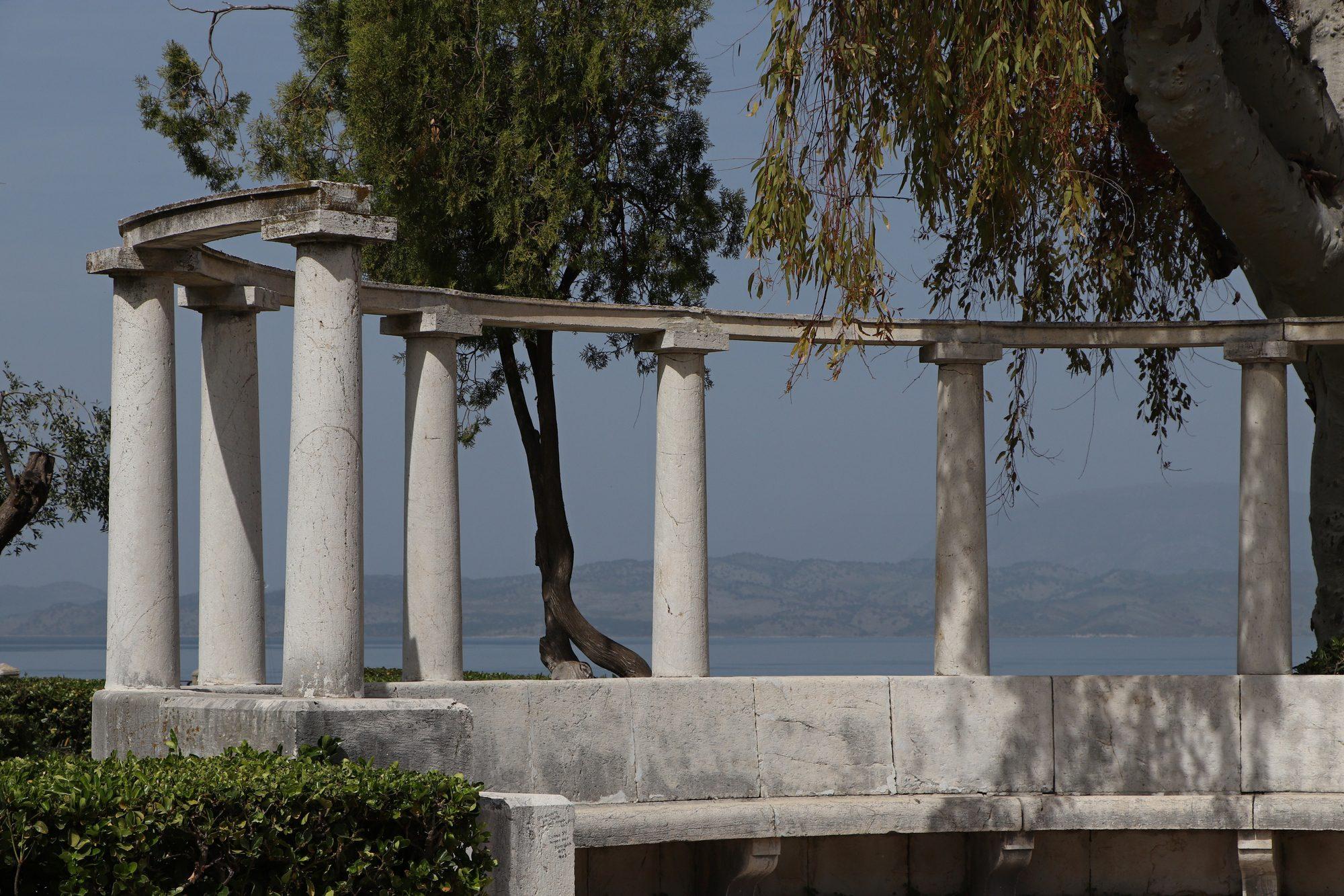 Park am Meer in Korfu-Stadt