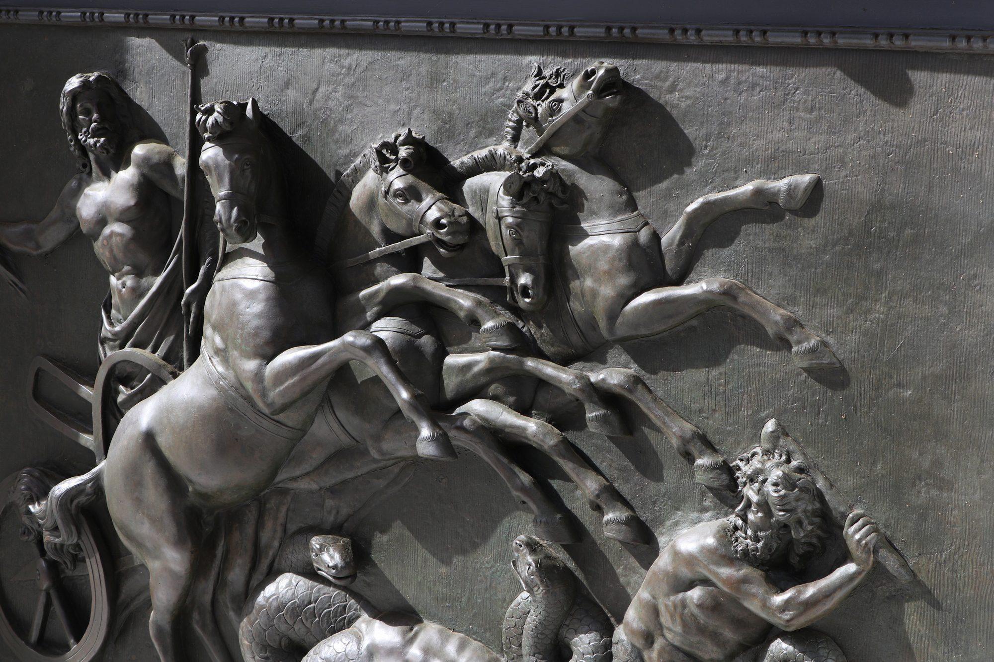 Kunst im Achilleion Palast auf Korfu