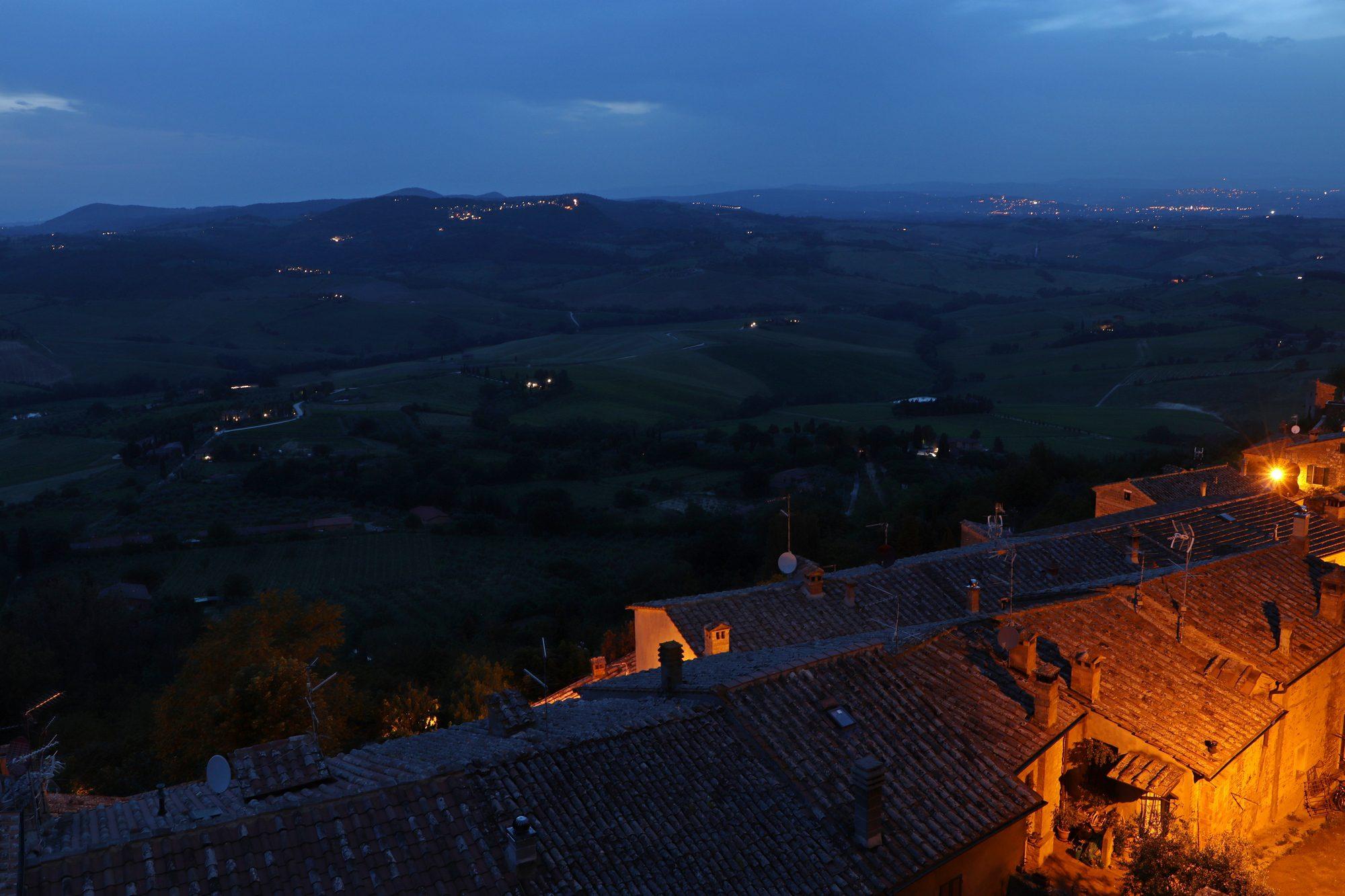 Blick von Montepulciano auf die Toskana Italien