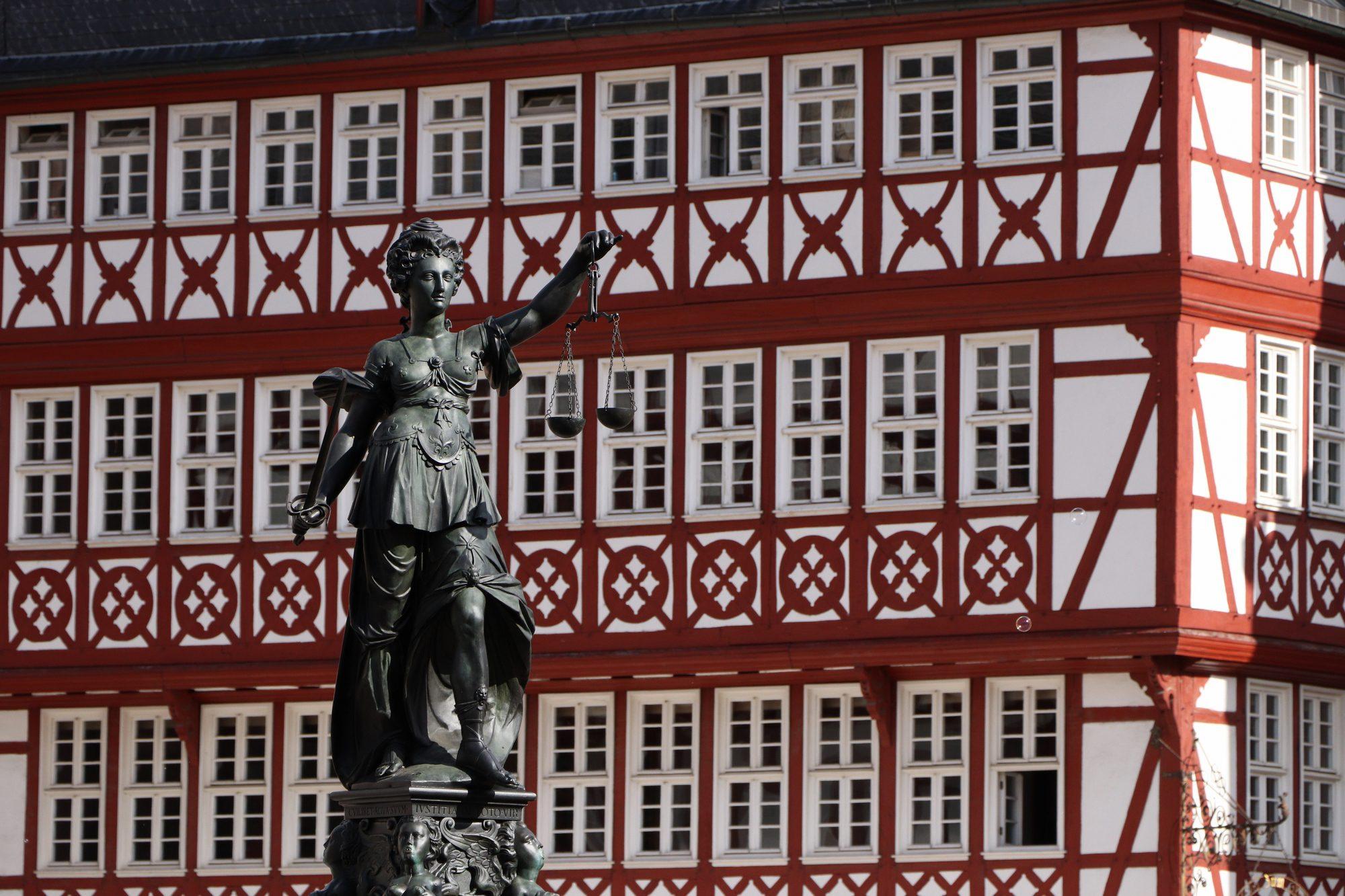 Statue in der Altstadt von Frankfurt am Main