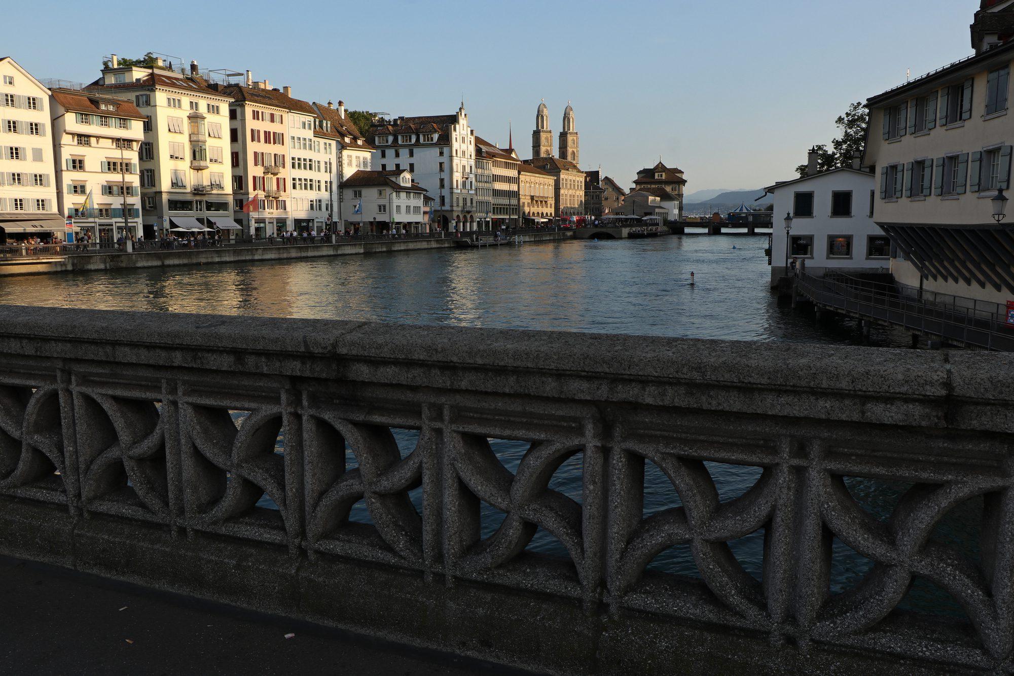 Entlang der Limmat in Zürich