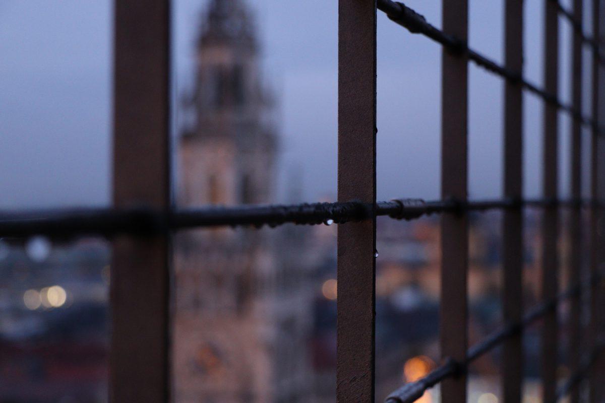 München Blick vom Alten Peter auf das Rathaus Abends