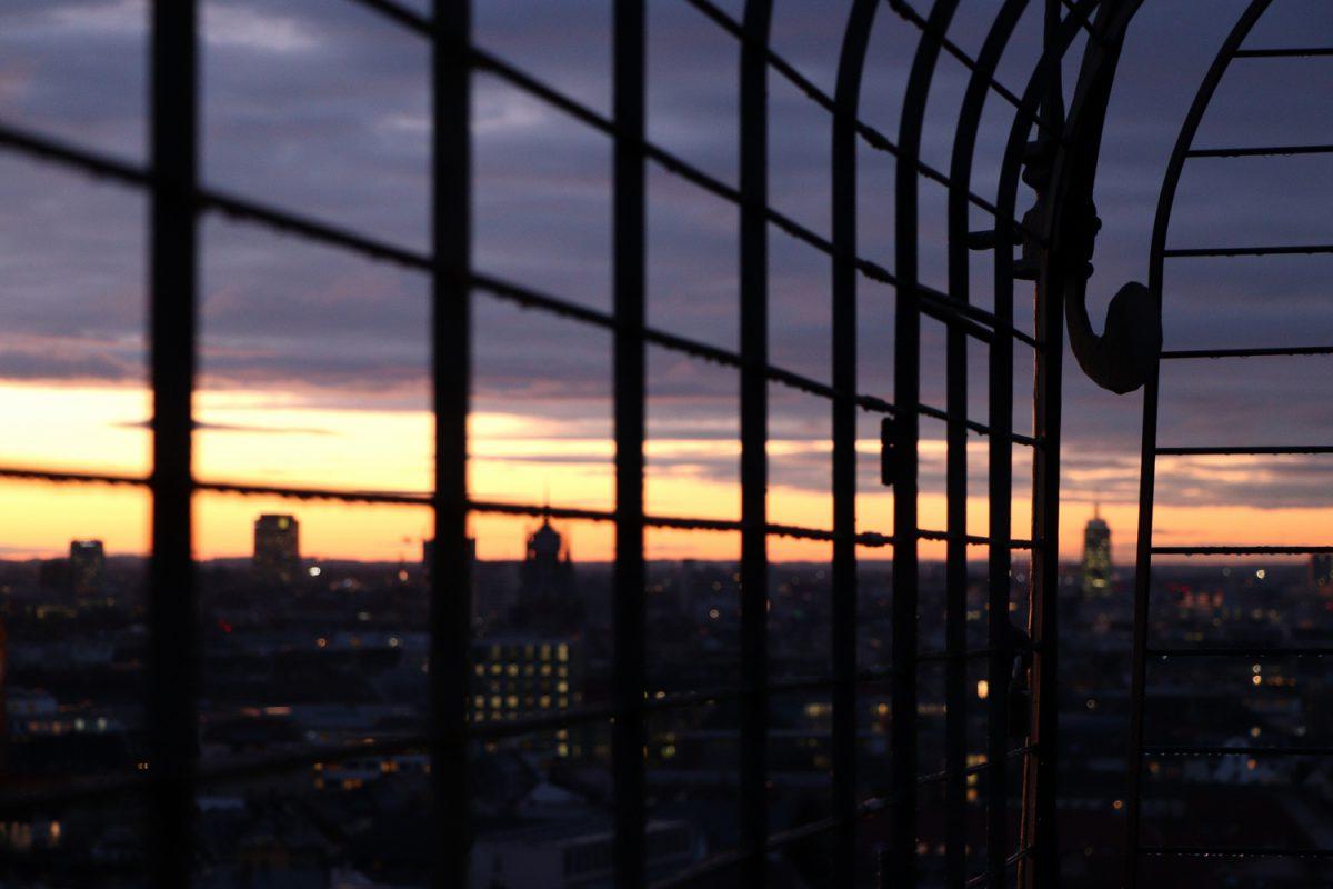 München Ausblick vom Alten Peter bei Sonnenuntergang