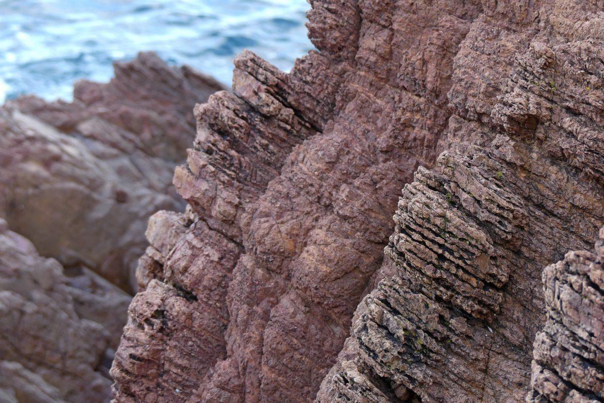 Cote d'Azur Esterel Massiv rote Felsen entlang der Küste