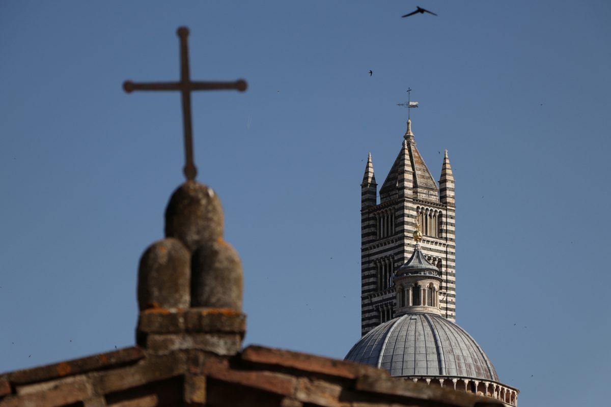 Siena Kreuz vor dem Dom