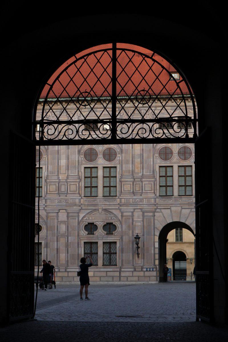 München Innenhof Residenz Tor