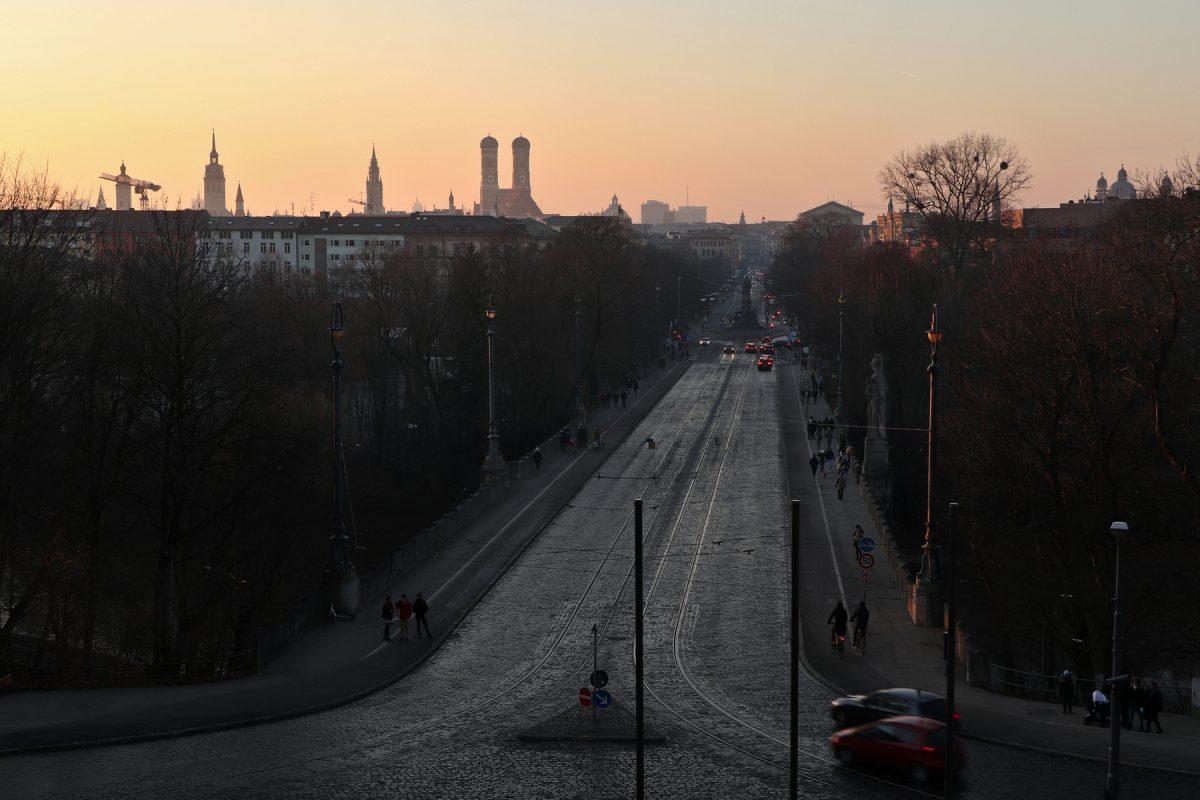 München Blick vom Maximilianeum zum Sonnenuntergang