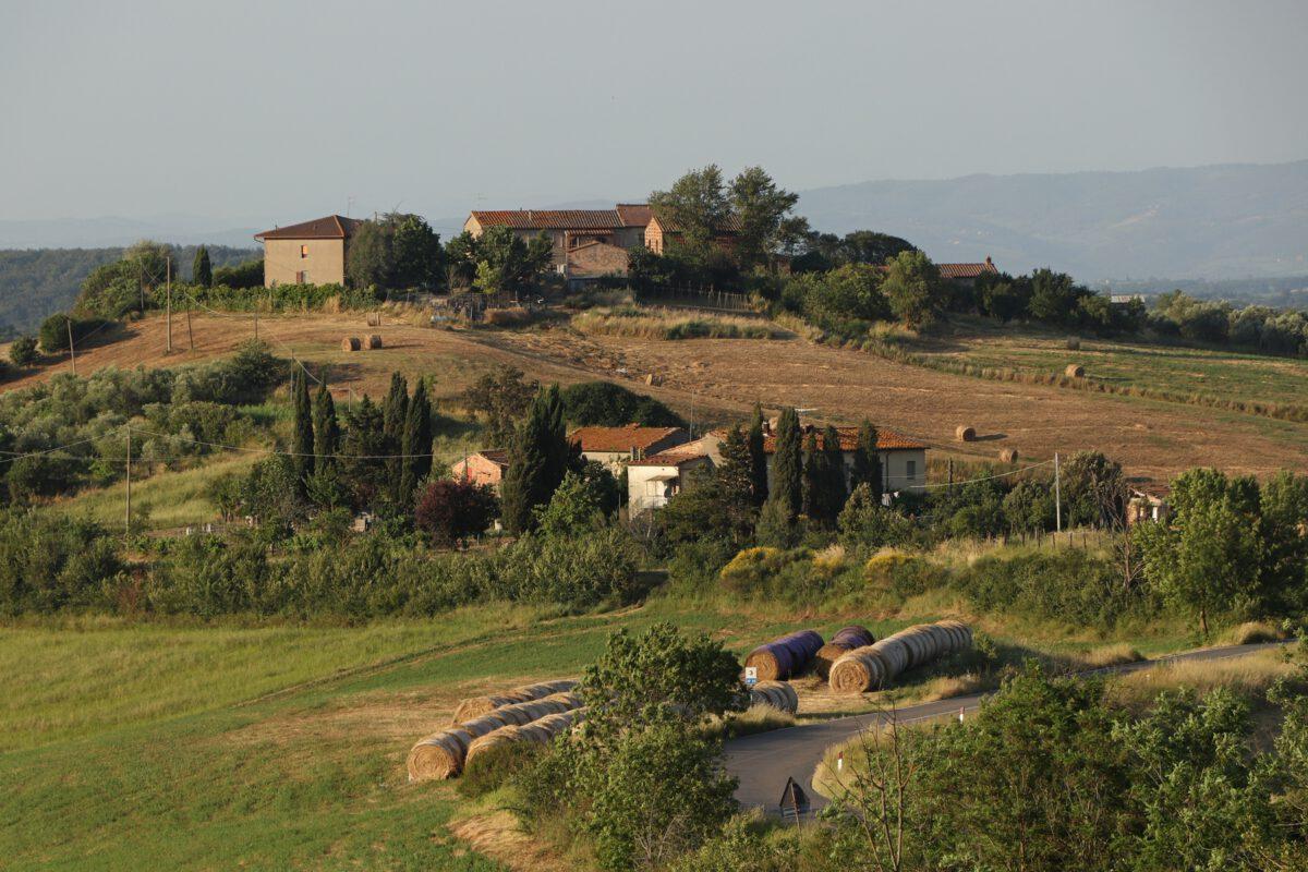 Landschaft in der Toskana zum Sonnenuntergang
