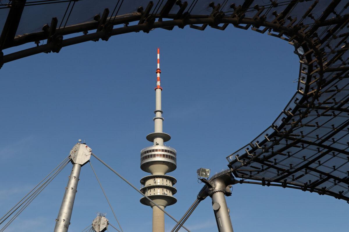 Olympiaturm und Olympiastadion in München