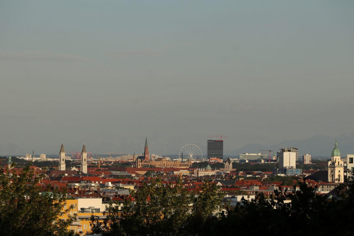 Ausblick auf München vom Olympiaberg