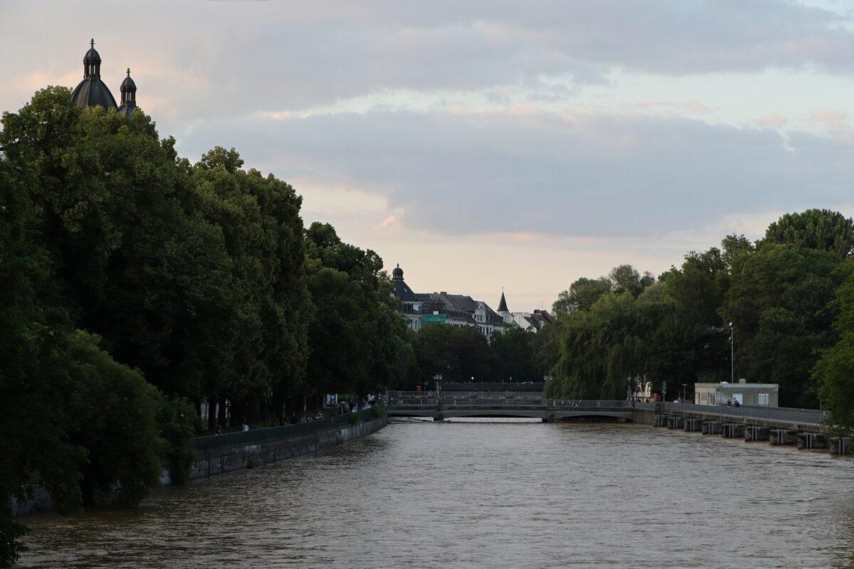 Die Isar Blick von der Ludwigsbrücke in München