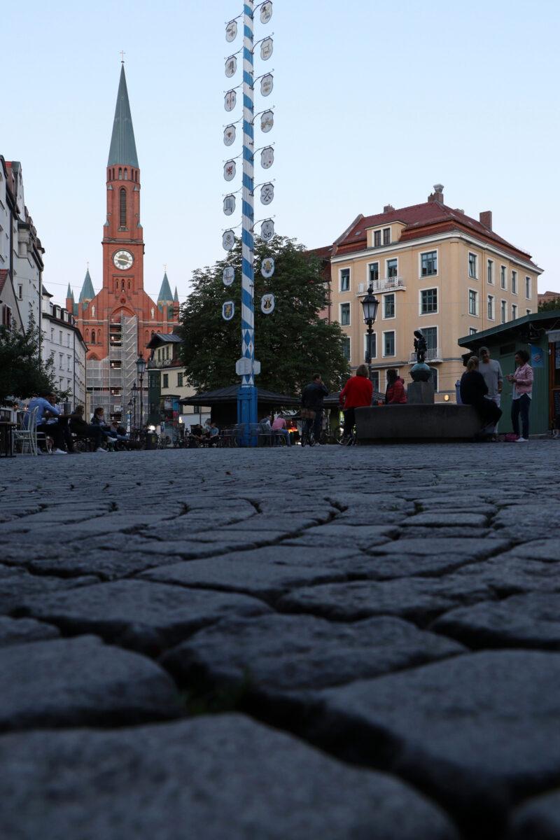 Abendstimmung auf dem Wiener Platz in München