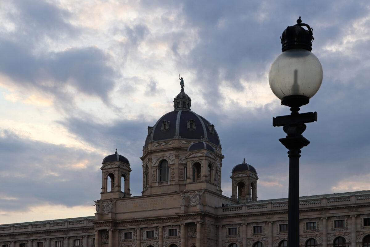 Das Naturhistorische Museum in Wien am Abend