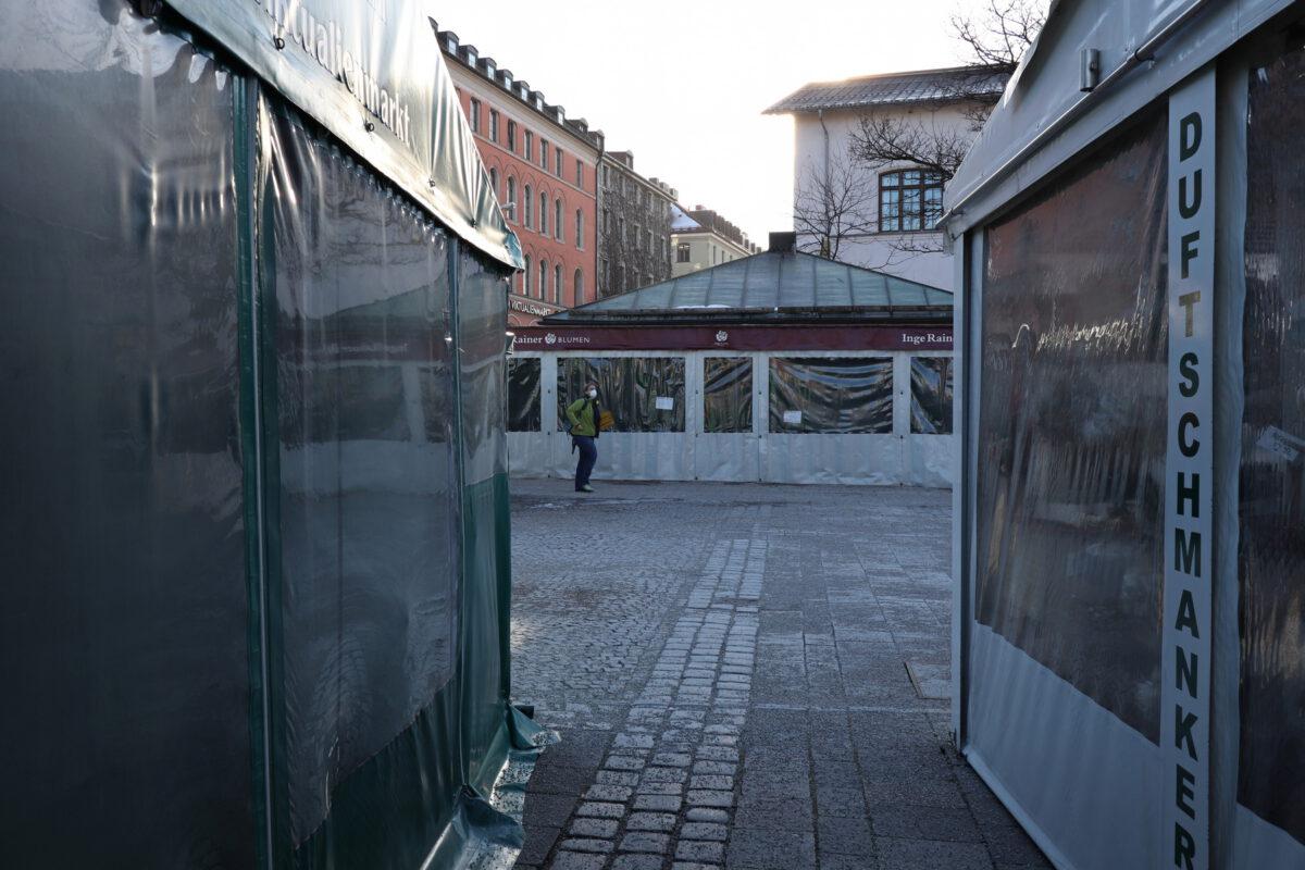 Geschlossene Standl auf dem Viktualienmarkt in München