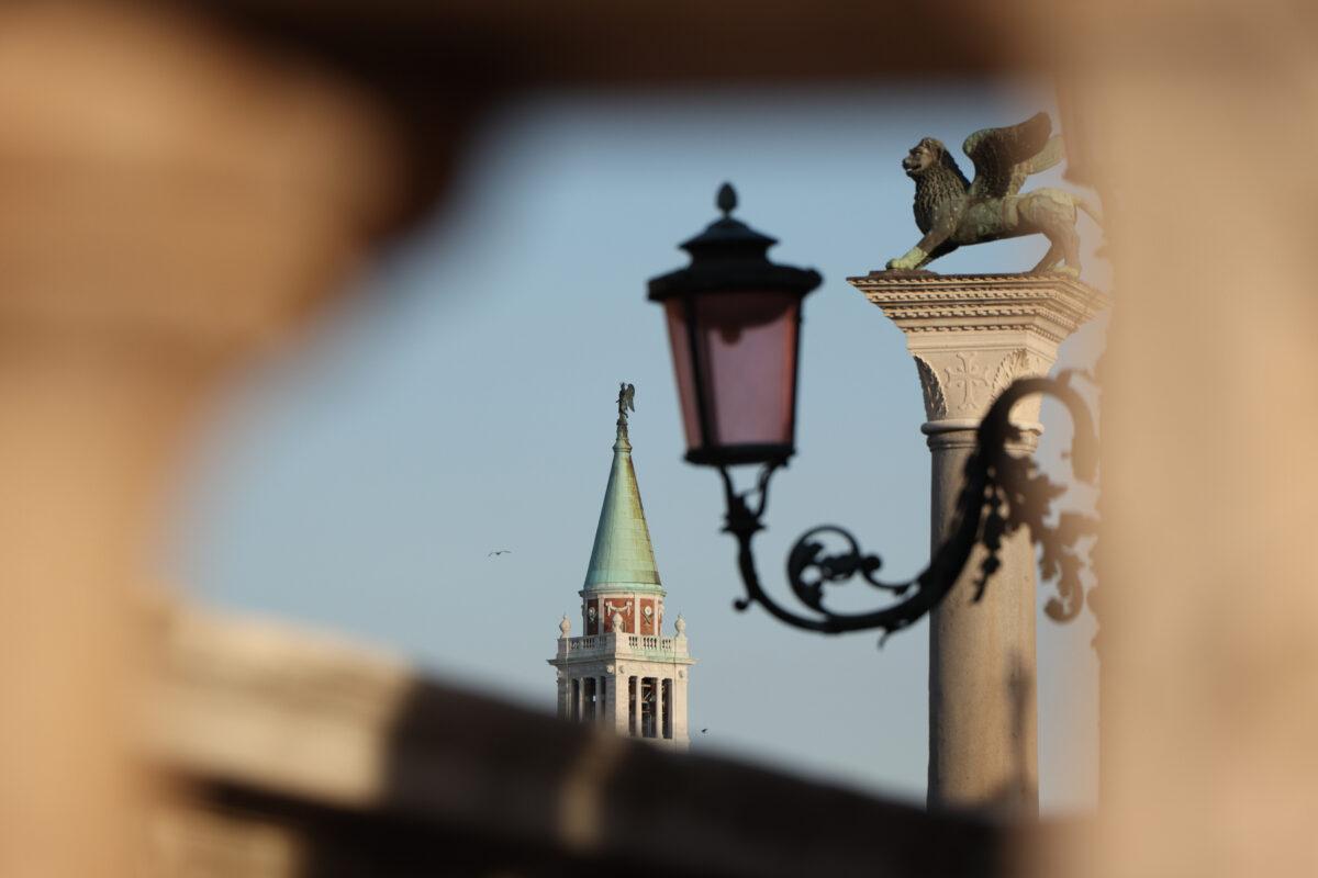 Venedig Blick vom Markusplatz in Richtung San Giorgio Maggiore zur goldenen Stunde