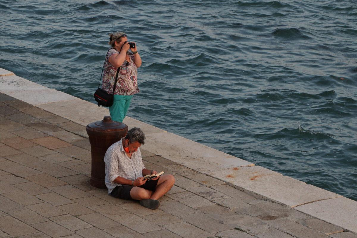 Abends auf der Riva san Biasio in Venedig