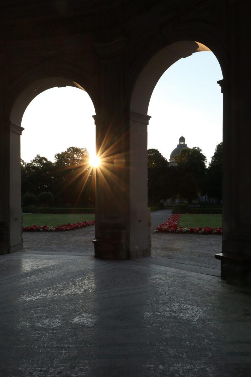Morgens im Hofgarten in München